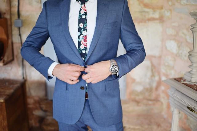 【ネットでスーツ】通販で安さや送料はどう違う?8ブランドのサービスを徹底比較!