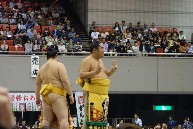 大相撲地方巡業大阪場所 相撲甚句の力士アップ