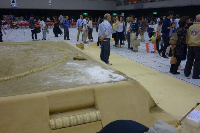 大相撲地方巡業 土俵の塩