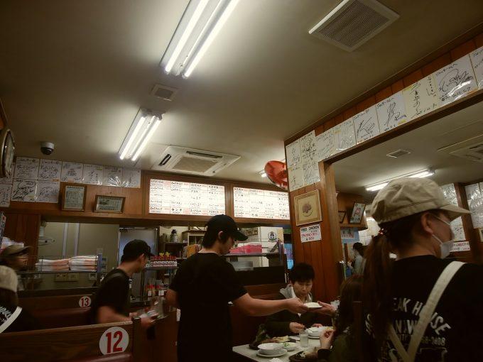 沖縄 ジャッキーステーキハウス 店内