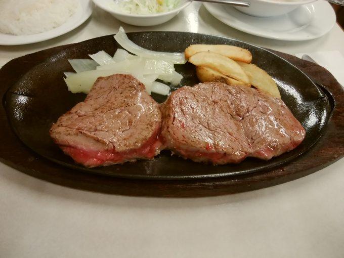 沖縄 ジャッキーステーキハウス レアステーキ