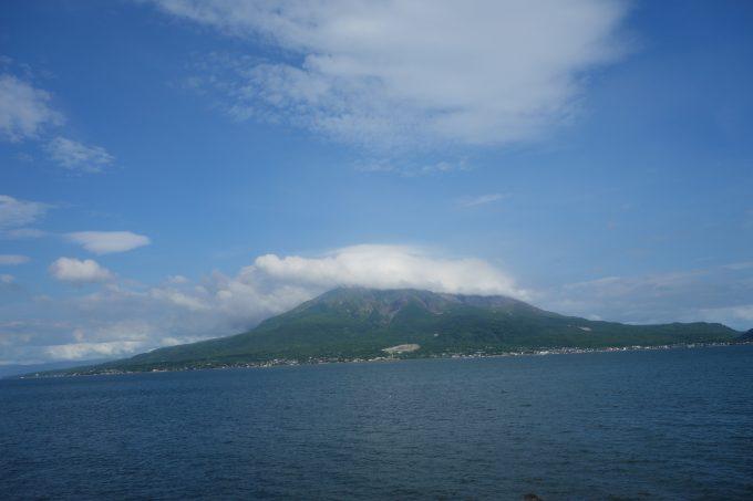 桜島フェリーから見る桜島