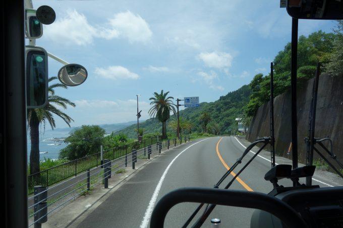 宮崎駅から鵜戸神宮 日南レトロバス車内