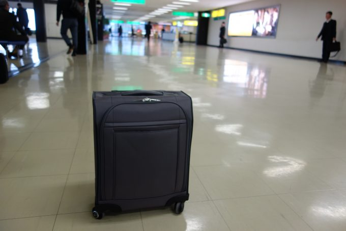 【レビュー】静かで軽くて大容量スーツケース!「エース マックスパスソフト」