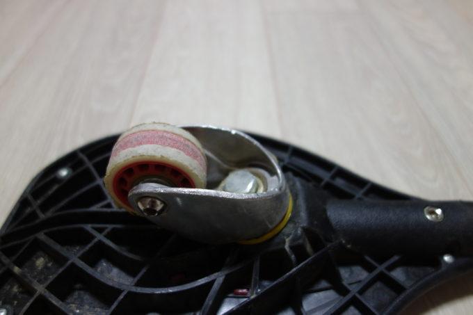 ジェイボード(キャスターボード)の削れた後輪