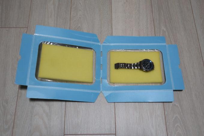 カシオ時計 オシアナスの修理メンテナンス 梱包する腕時計