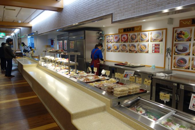 大阪南港‐愛媛東予港オレンジフェリーのレストランカウンター