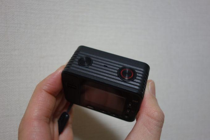 ソニーのデジタルカメラRX-0 電源ボタンとシャッターボタン